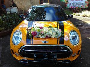 FLOWER WEDDING CAR
