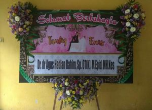 Karangan Bunga Papan Wedding